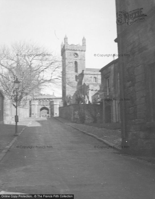 Photo of Linlithgow, Palace Gateway And St Michael's Church c.1948