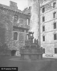 Palace, King's Fountain 1949, Linlithgow