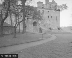 Palace, Old Entrance East Side c.1948, Linlithgow