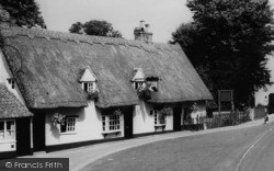 Linton, 'dog And Duck' Pub c.1960