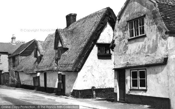 Photo of Linton, Old Cottages c.1955