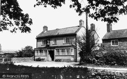 Linton-on-Ouse, College Arms c.1960