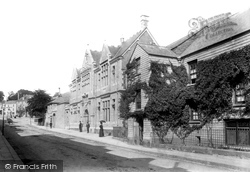 Liskeard, Library And Stuart House 1900