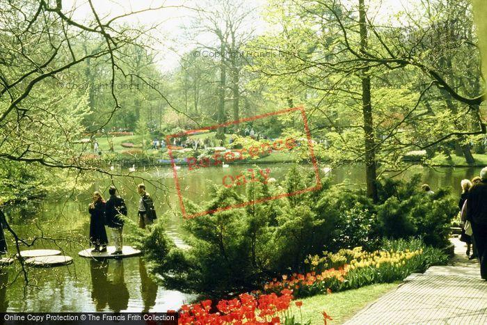 Photo of Lisse, Keukenhof Gardens, The Lake 1999