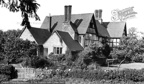 Little Comberton, the Old Manor House c1955.  (Neg. L216009)  © Copyright The Francis Frith Collection 2008. http://www.francisfrith.com