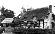 Little Comberton, the Olde Thatched Cottage c1955