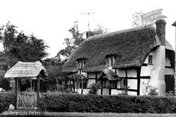 Little Comberton, The Olde Thatched Cottage c.1955