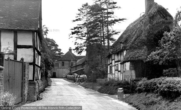 Little Comberton, the Village c1955.  (Neg. L216005)  © Copyright The Francis Frith Collection 2008. http://www.francisfrith.com