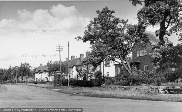 Little Comberton, Wick Road c1955.  (Neg. L216012)  © Copyright The Francis Frith Collection 2008. http://www.francisfrith.com