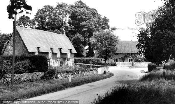 Little Haseley, the Village c1960
