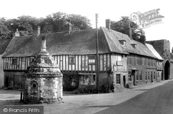 Little Walsingham, Old Houses And Pump 1929