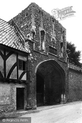 Little Walsingham, The Priory Gateway 1922