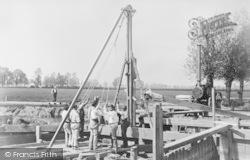 Rebuilding Day's Lock Weir c.1870, Little Wittenham
