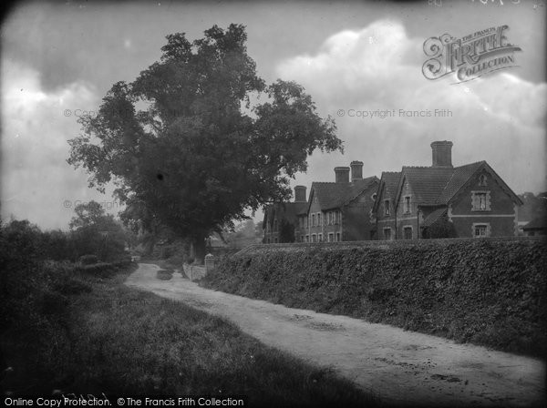 Littlebury © Copyright The Francis Frith Collection 2005. http://www.francisfrith.com