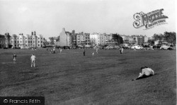 Littlehampton, South Terrace From The Common c.1960