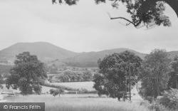 Llanbdr Dyffryn Clwyd, A Glimpse Of The Hills c.1936