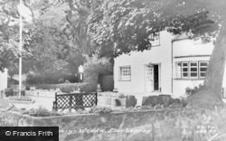 Llanbedrog, Glyn-Y-Weddw c.1960