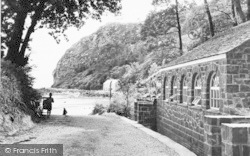 Llanbedrog, Road To The Beach c.1955