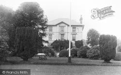 Llanberis, Padarn Villa Hotel c.1935