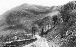 Llanberis, The Lady Of Snowdon c.1935