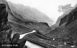The Pass c.1910, Llanberis
