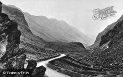 The Pass c.1913, Llanberis
