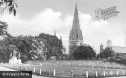 Llandaff, Cathedral And Memorial c.1933