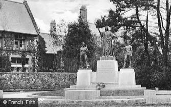 Llandaff, the War Memorial c1933