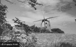 Llynnon Windmill c.1935, Llanddeusant