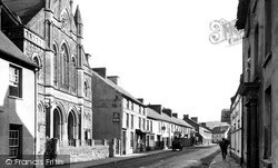 Llandovery, High Street c.1960