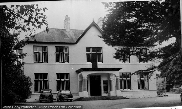 Photo of Llandovery, Picton Court c.1965