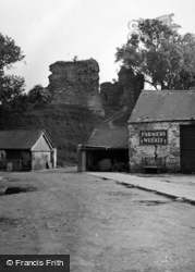 Llandovery, The Castle 1953