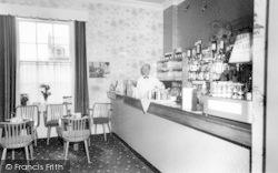 Llandudno, The Cocktail Bar, Ormescliffe Hotel c.1960