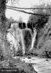 Glyn-Hir Falls 1936, Llandybie