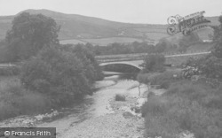 View From The Old Bridge c.1936, Llanfair Talhaiarn