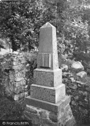Llanfihanger Y Pennant, Mary Jones Monument c.1935, Llanfihangel-Y-Pennant