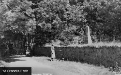Llanfihanger Y Pennant, Mary Jones Monument c.1955, Llanfihangel-Y-Pennant