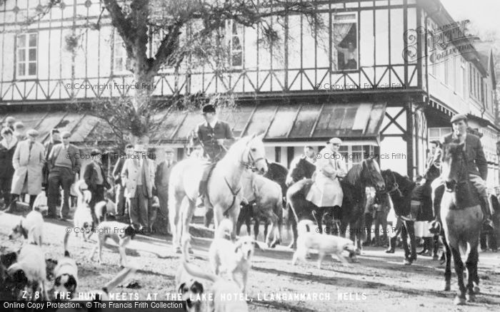 Photo of Llangammarch Wells, The Hunt Meets At The Lake Hotel c.1960