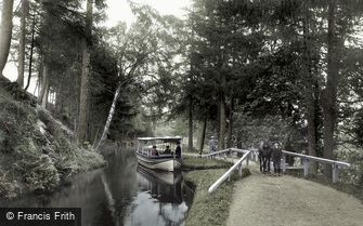 Llangollen, on the Canal 1913