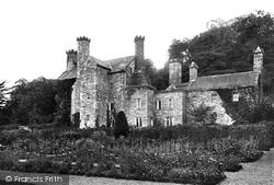 Gwydyr Castle 1895, Llanrwst