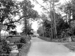 Llansteffan, Road To Beach 1933