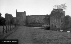 Llanvetherine, White Castle 1948