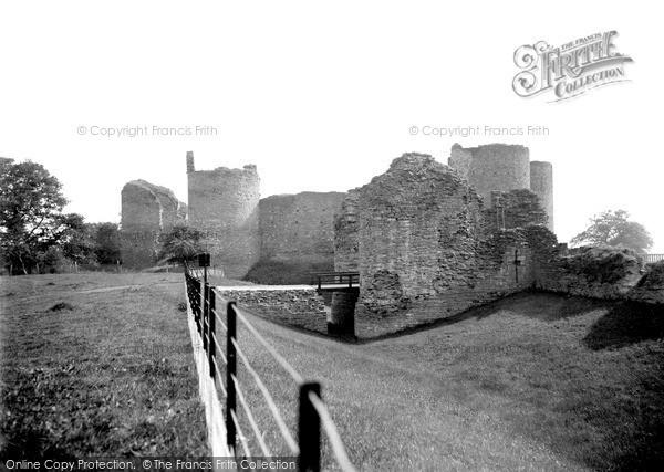 Llanvetherine, White Castle c1950