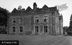 Llanvihangel Crucorney, Llanvihangel Court 1955