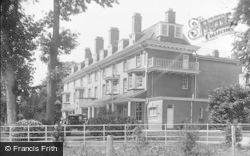 Llanwrtyd Wells, Abernant Hotel c.1930