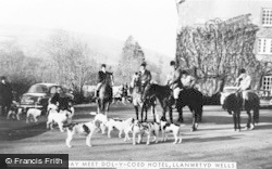 Boxing Day Hunt Meet, Dol-Y-Coed Hotel c.1960, Llanwrtyd Wells