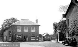 The Square 1949, Llanybydder
