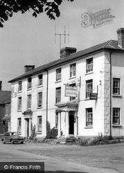 The Lion Hotel c.1960, Llanymynech