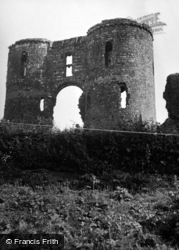 Llawhaden, Castle, The Gatehouse 1953