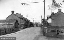Llwynhendy, Village 1936